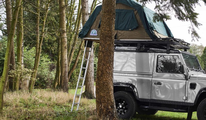 Land Rover Defender 90 2.2 TD X Tech Hard Top full